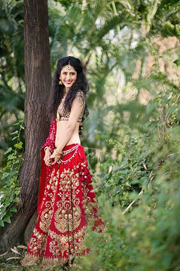 Sabyasachi-red-lehenga-full.jpg