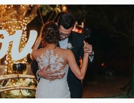 Perfect Dance after the Wedding 👰🏻 #valerdiboutique #pronovias #noviasvalerdi