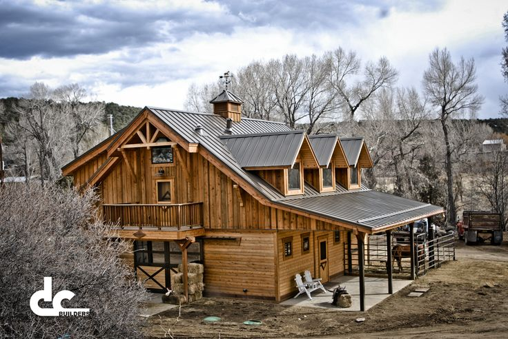 Custom Horse Barn With Apartment