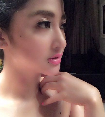 Foto Dewi Persik Hot