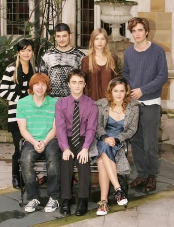 Robert Pattinson With The Cast Of Harry Potter In 2005 Before Twilight