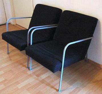 3 euro ≥ Twee zwarte stoelen met metalen frame en zwarte bekleding - Stoelen - Marktplaats.nl