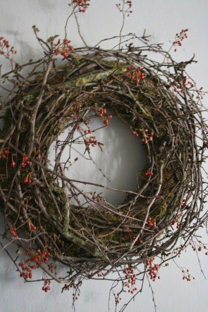 Prachtig mooie najaars krans.  ♡ ~Rustic Living by GJ ~   Kijk ook eens op mijn blog http://rusticlivingbygj.blogspot.nl/Hier vind je decoratie ideeën voor het wonen in een landelijke sfeer.