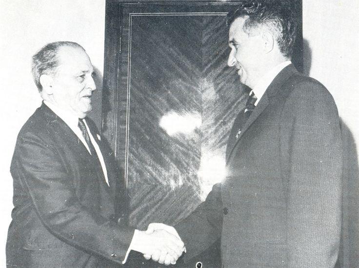 Com o Presidente da Romênia Nicolai Ceausescu.  1972