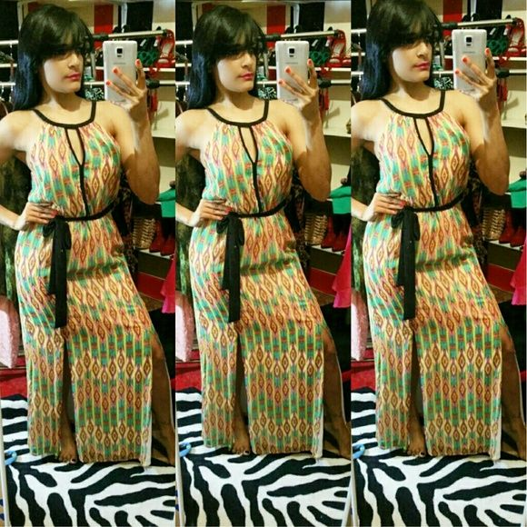 Elegant and sexy Maxi Dress Available small the maxi Dress is very sexy and bright colors spring Coming soon! Dresses Maxi