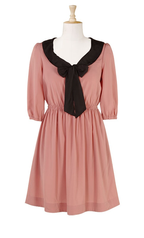 Don't get between me and this bow dress. So adorable. Plus sized. Up to 3X.