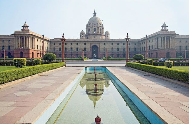 Sir Herbert Baker's North Block of the Secretariat for New Delhi (1931)