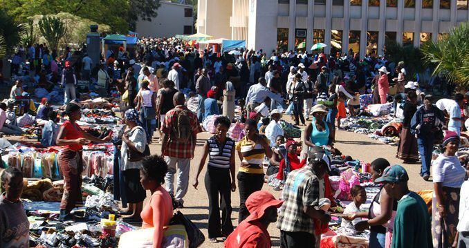 Textile industry calls for tighter controls as Zim imports clothing worth $20mln in 5 months - http://zimbabwe-consolidated-news.com/2017/07/07/textile-industry-calls-for-tighter-controls-as-zim-imports-clothing-worth-20mln-in-5-months/
