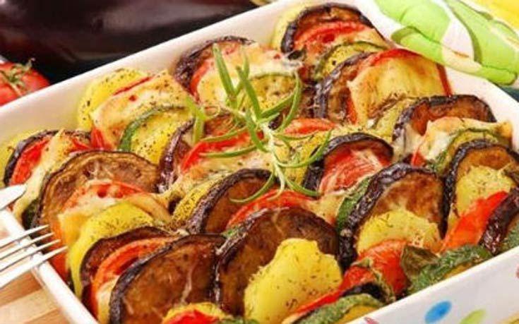 Ανάμεικτα λαχανικά στο φούρνο με τυρί - http://www.daily-news.gr/cuisine/anamikta-lachanika-sto-fourno-me-tiri/