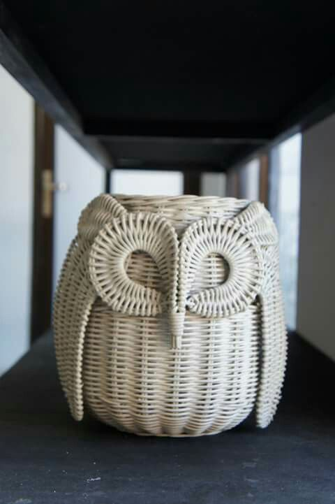 Cane owl hamper