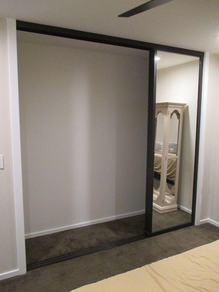 Hot mirrored closet doors 72 x 80 roselawnlutheran for Southern closets