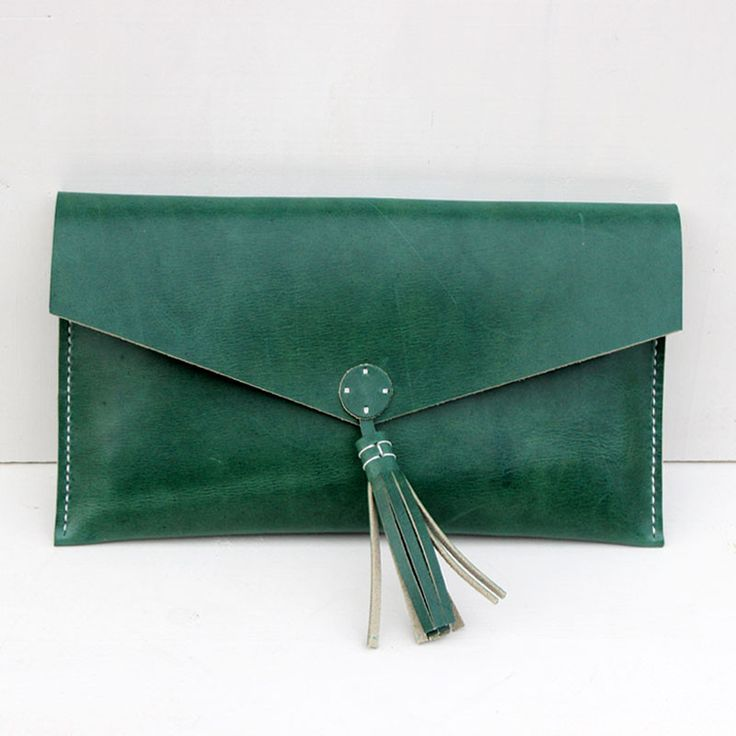 Clutch bolso de mano de cuero verde oliva – Follow the Folk