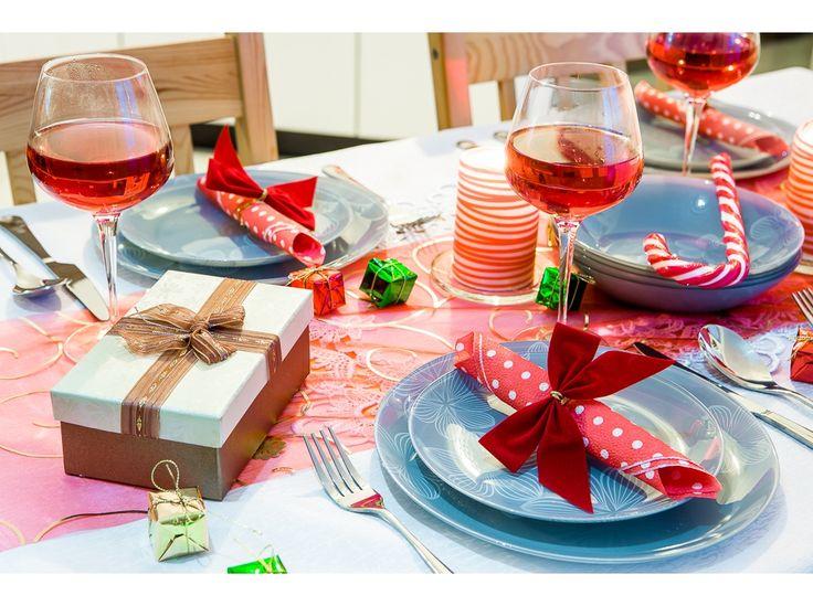 Świąteczna aranżacja stołu z Kompletem obiadowym Dream Flower Grey 18-elementowy AMBITION http://sklep.dajar.pl/komplet-obiadowy-dream-flower-grey-18-elementowy-ambition