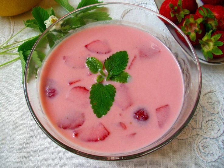 Csak egy gondolat és már kész is. Isteni finom, üdítő leves vagy desszert, tele vitaminnal.