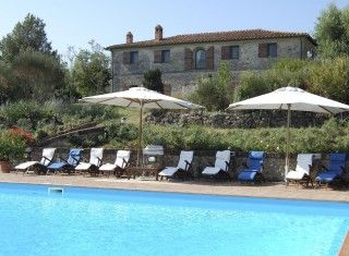 Villa Danza    www.casalio.com   #Italy - #Tuscany    Siena, 8 Bedrooms, Private Pool, Air Conditioning. More than a feeling of private residence. Immersed in rich furniture and soft furnishings, the decoration and those extra touches make it a family home. Marvellous position amongst gently rolling hills, with views over Siena. #italyvillas #Italianvillas #italianvillasforrent #tuscanvillasforrent #tuscanyvillasforrent #tuscanyholidayhomes #urlaub #villasforrent #luxuryvilla…