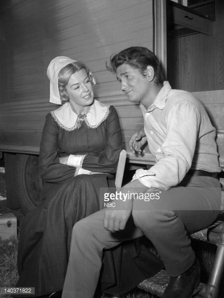 Michael Landon (Joe Cartwright) & Patricia Donahue (Regina ...
