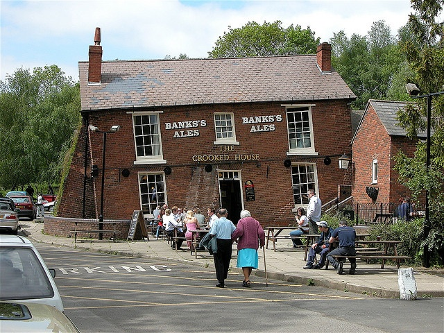 The Crooked House Pub -  Himley - Near Dudley - West Midlands, England. UK by Nala Rewop, via Flickr