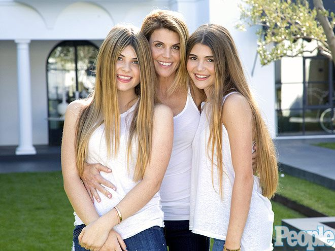 Celebrity Mother and Daughter Look-Alikes, Cindy Crawford and Kaia Gerber Photo : People.com