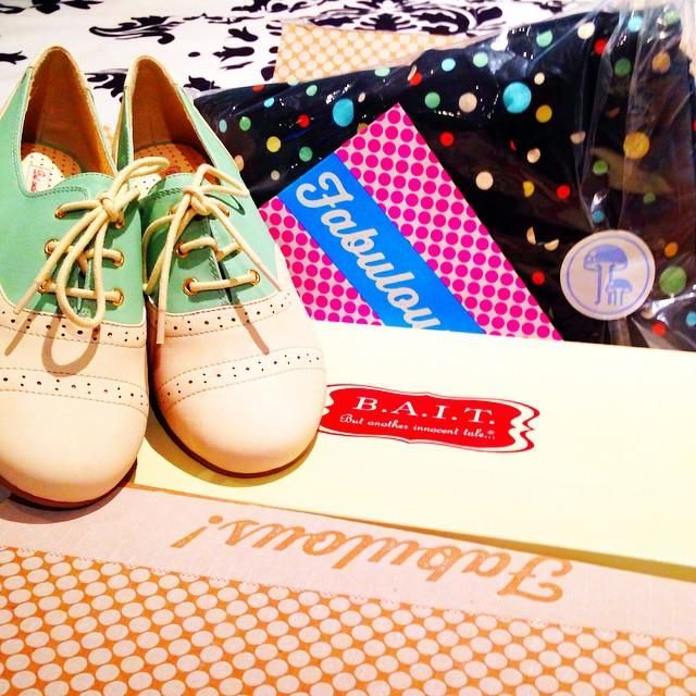 It's always fun to open a ModCloth box... but it's especially fun on #tuesdayshoesday!