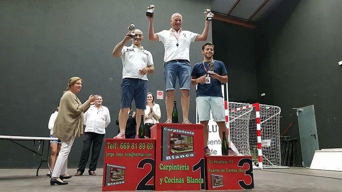 Caballero sigue de dulce con su triunfo en el IV Slalom Fuente de Cantos . Pleno de triunfos para el dombenitense en las cuatro ediciones. Victorias de Campos, Gómez y Quintana en la Clase I, Trofeo Promoción y Féminas respectivamente.