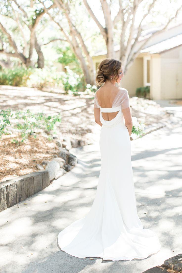 25 best dramatic wedding dress backs images on pinterest for Wedding dresses with dramatic backs