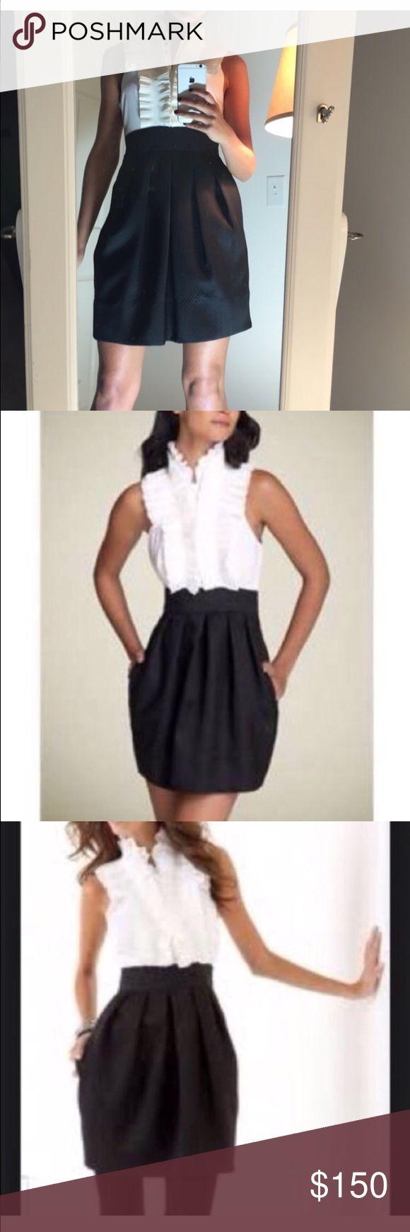 🎉 BCBGMaxAzria Classic Tuxedo Style Dress 🎉 😍 GORGEOUS GORGEOUS GORGEOUS Dress! Definitely a sexy show stopper! Has never been worn! Size 4 ❣ BCBGMaxAzria Dresses