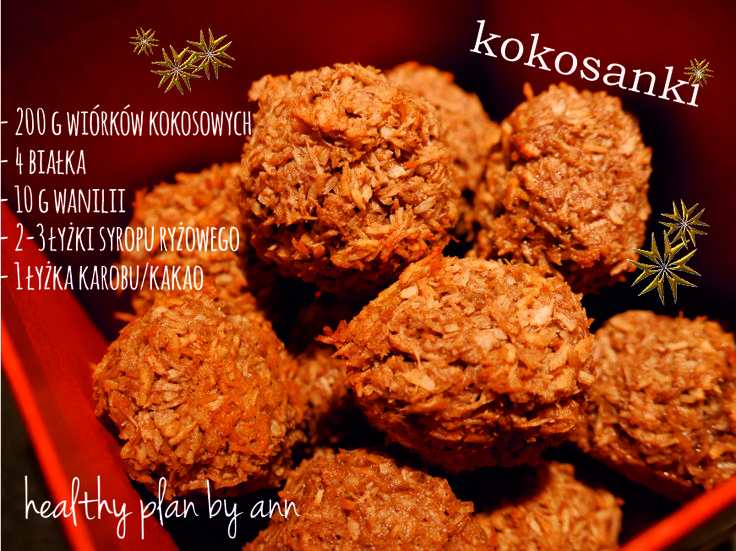Im bliżej Świąt tym więcej mam pomysłów na słodkości. A ponieważ kocham kokosowy smak, to musiałam zrobić takie właśnie kulki :). Składniki: • 200 g wiórków kokosowych • 4 białka • 10 g wanilii • 2,5 łyżki syropu ryżowego • 1 łyżka karobu/kakao Wiórki podgrzałam na suchej patelni aż się zrumieniły. Ubiłam jajka, dodałam wanilię,…