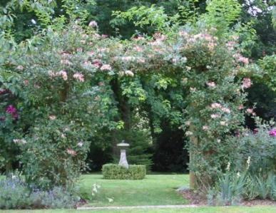 Gärten in England  Old Rectory Trotton                                                                                                                                                                                 Mehr