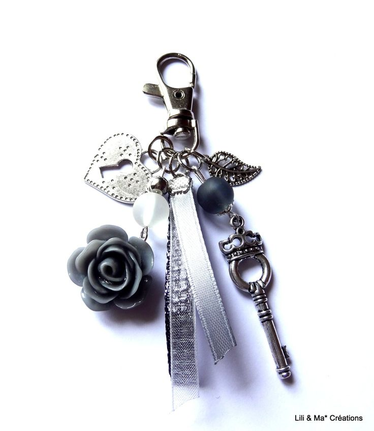 """Bijou de sac, grigri, Lili et Ma* Créations """"Gris fleur coeur"""" : Porte clés par lili-et-ma-creations"""