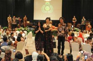 Upholding Iwan Tirta Legacy #batik