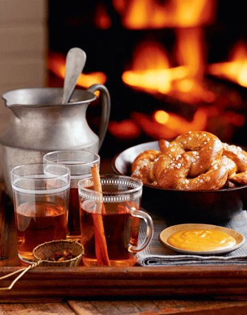 Hot Spiced Drunken Apple Cider | YUM-O | Pinterest