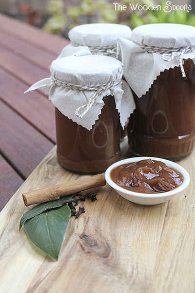 Spiced Apple Sauce in the Slow Cooker – Foodie Secret Santa   The Wooden Spoons