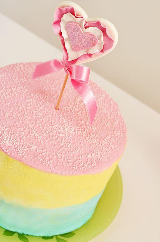 Cupcakes a diario: Tarta tricolor con complejo de estrella fugaz... ¡Feliz día de San Valentín!