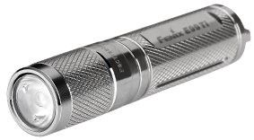 Linterna Fenix E99 TI (Titanio), con 100 lumenes. Ilumina a 41 metros de distancia. Dura hasta 30 horas con sólo 1 batería AAA