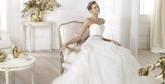 Jaké svatební šaty jsou nejvíce trendy v roce 2015?