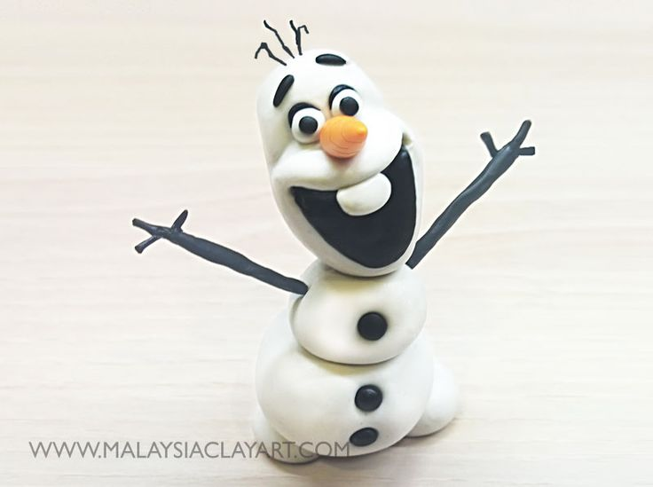 Step by step polymer clay tutorial on how to make Olaf with polymer clay. Tutorial comes with clear photos and baking instructions.