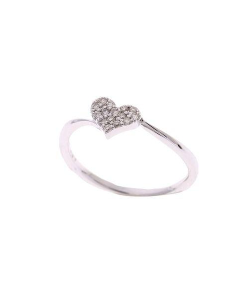 Samantha Tiara  サマンサティアラ パーフェクトハートインフィニティリング(カラー:ホワイトゴールド)¥51,840 K18WG×ダイヤモンド もっとも美しいと言われる黄金比率で作られたサマンサオリジナルの「パーフェクトハート」をモチーフにしたアイテムです。リングにウエーブを付けているので、指が長く、細く見えることもポイント。別のシリーズと重ね付しても素敵ですよ♪