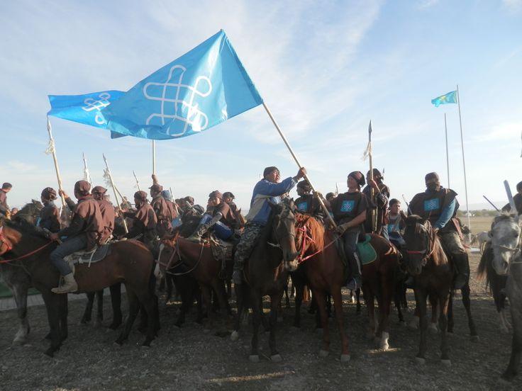 """Toprak ve milletin doğum ülkenin korunması sevmek kaba performansına Kazak Hanlığı """"Orbulaq savaş"""" 550 yıldönümü adanmış Almatı bölgesi Gençlik Politikası Bölümü, kadın amanatına tarih dersi sadık olmaya çağırdı."""