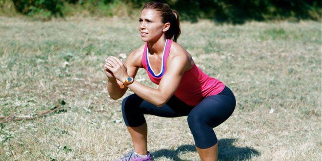 Les cuisses sont un des principaux lieux de stockage des graisses chez nous, les femmes. Pour éviter l'accumulation, une solution : tonifier et muscler ses cuisses. Pour cela, rien ne vaut le squat, l'exercice de base du renforcement musculaire. SHAPE vous donne les clés pour l'exécuter en toute sécurité !
