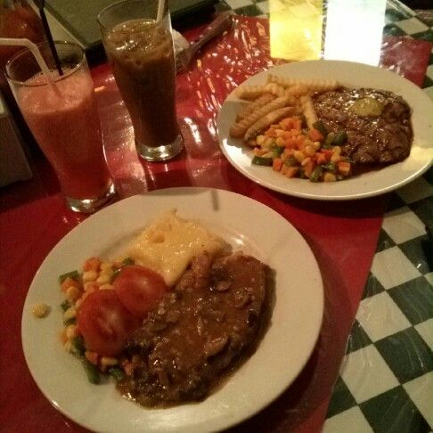 2nd pict steak at chuba cafe Bandung
