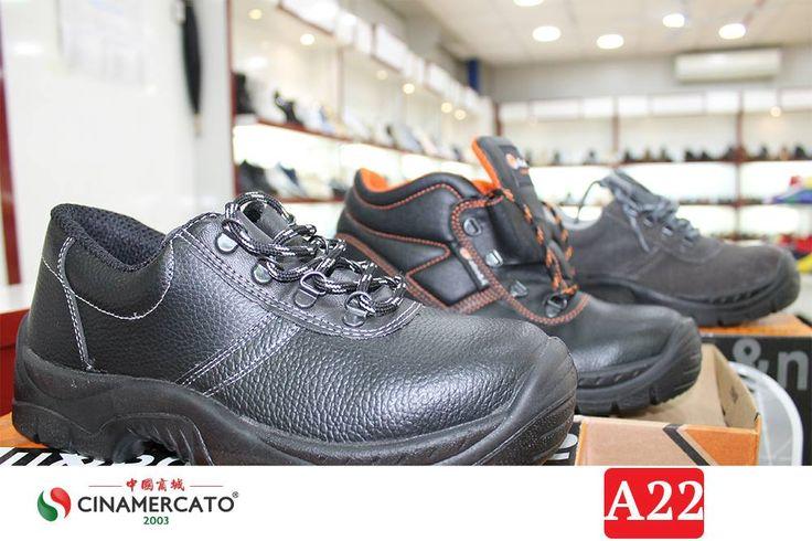 Offriamo una vasta gamma di calzature, dalla scarpa sportiva a quella di tipo antinfortunistica. ➤ Vendita all'INGROSSO e con P.IVA ➤ http://www.cinamercato2003.it/ (ingrosso abbigliamento napoli) ➤  #cinamercato2003 #shoes #abbigliamento