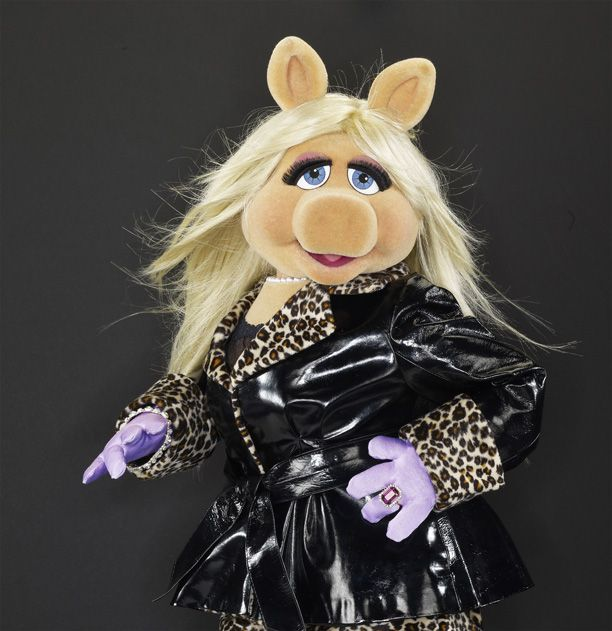 Muppet Christmas Meme: How To Survive A Celebrity Breakup, By Miss Piggy
