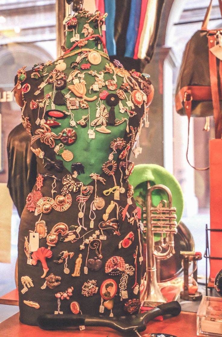Fratelli Broche vintage Bologna shop