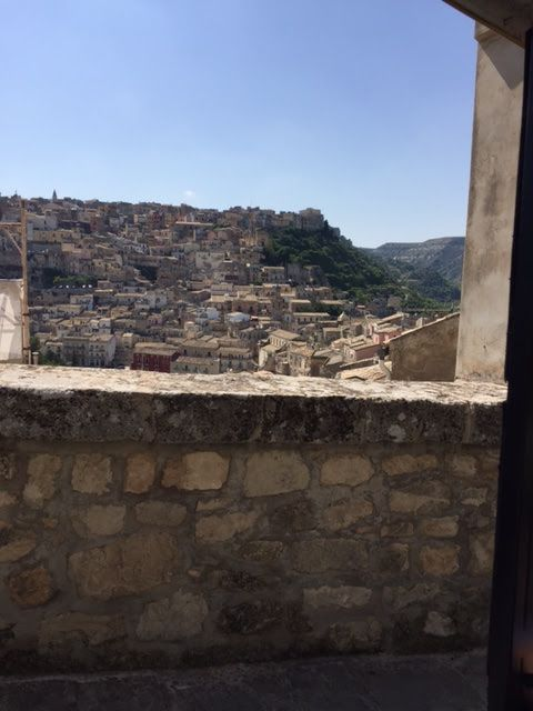 joanheaton519blog: The Picturesque Town of Ragusa