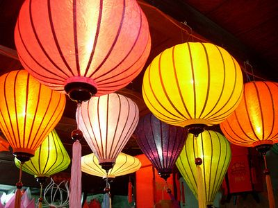 Free things to do in Hanoi - walk around the Old Quarter at night, bring your camera