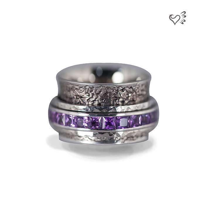 Custom ring, 18k white gold & sapphires by Janine de Dorigny jewellery