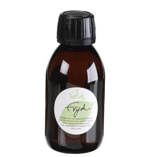 Naturlig kropsolie med dild og merian. Olien er drøj i brug og efterlader huden blød, plejet og gennemfugtet. Påfør olien efter bad, hvor huden stadig er lettere fugtig, så tænger olien lettere ind i huden.