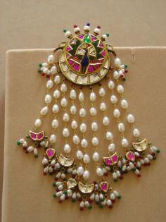 Divvya Bhasin Gold Jhoomar Kundan Pearls Emerald Drops Muslim Wedding Sufi Night Mughal Inspired Nikkah Valima Valeema Mehendi Ghazal Night