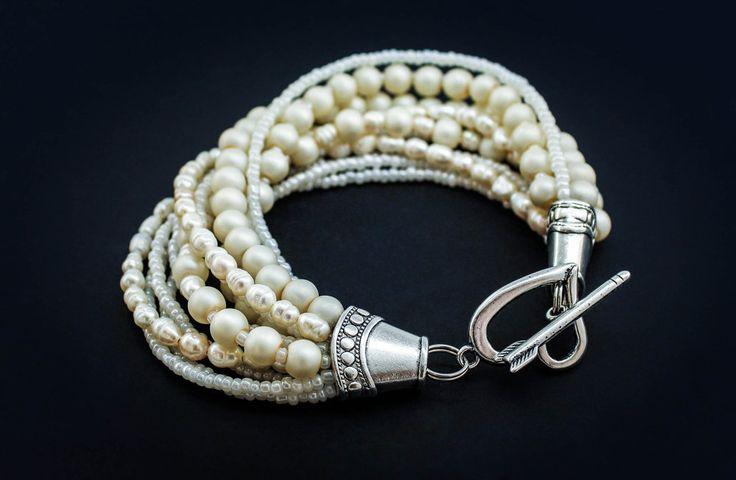 Мастер-класс - как сделать браслеты своими руками из бисера, бусин, ниток и ленточекБижутерия своими руками: мастер-класс, пошагово. Из бисера, проволоки, камней, глины