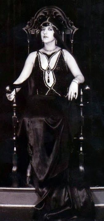 Aileen Pringle as 'Zara' - 1925 - The Mystic - Costume design by Erté - Directed by Tod Browning - @~ Mlle